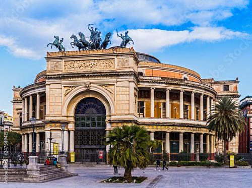 In de dag Palermo Teatro Politeama Garibaldi, Palermo
