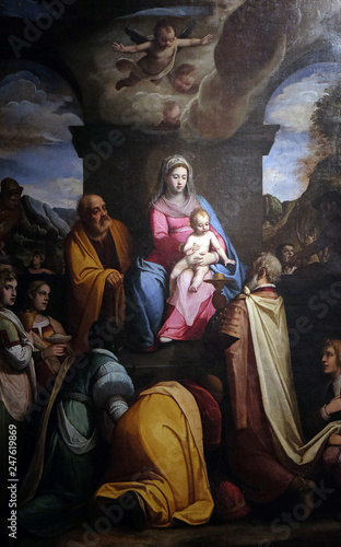 Photo Altarpiece depicting Adoration of the Magi, work by Federico Zuccari in Cathedral of St