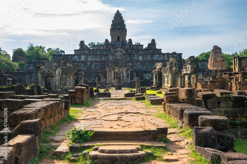 Photographie  Beautiful sunny day in Prasat Bakong Temple - Siem Reap, Cambodia