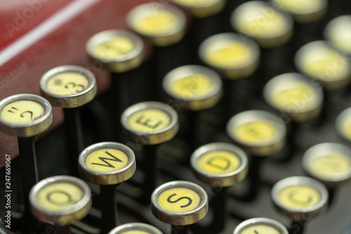 Fotografie, Obraz  Antique Typewriter Keys