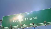 Airplane Landing Tybee Island