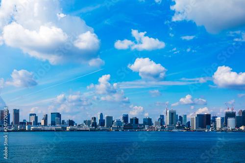 Fotografía  (東京都ー都市風景)海浜公園から望むウォーターフロント風景1