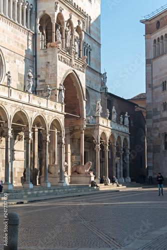 Fotografie, Obraz  Cremona particolare della facciata del Duomo