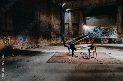 An old piano within a abondoned place