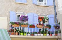 Balcon Fleuri Dans U Village P...