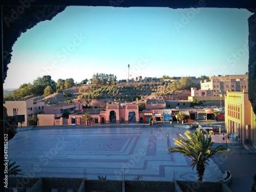 Widok z okna mieszkania w Warzazat, Maroko - 247852652