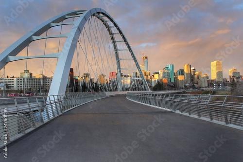 Spoed Fotobehang Bruggen Walterdale Bridge Walkway