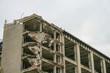 rozbiórka starej fabryki duży gmach budynek warszawa