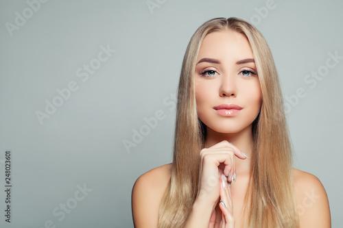 Photo  Blonde beauty