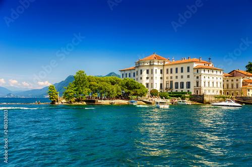 Obraz Palazzo Borromeo, Isola Bella im Lago Maggiore, Piemont, italien  - fototapety do salonu