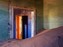 Abandonned House Invaded By Sand Over The Years