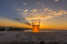 Bicchiere Di Birra Sopra Un Mu...
