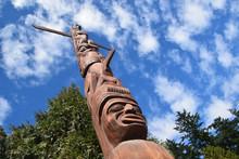 Yelton Squamish Totem Pole Van...
