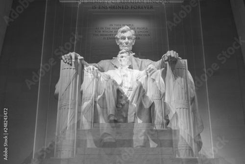 Fotomural The Lincoln memorial in Washington DC early morning