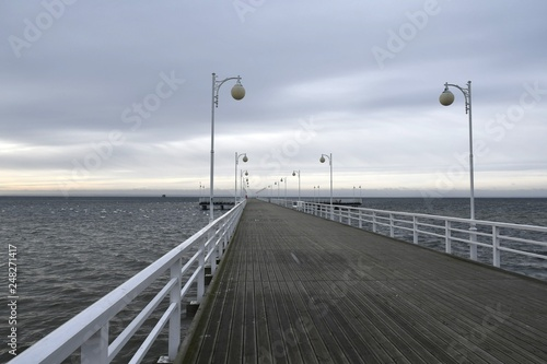 Fotografía  Winter at the pier in Jurata