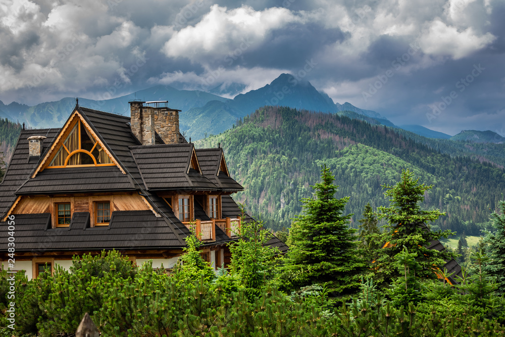 Fototapety, obrazy: Wooden cottage and clouds over Tatra Mountains, Poland