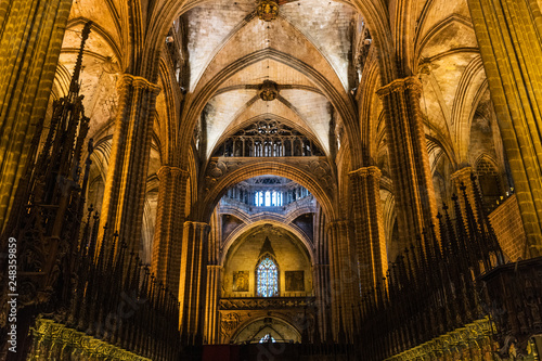 Fotografie, Obraz  Columns and arches inside Barcelona gothic Cathedral
