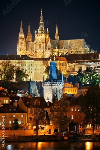 Photo  Prague Castle at night
