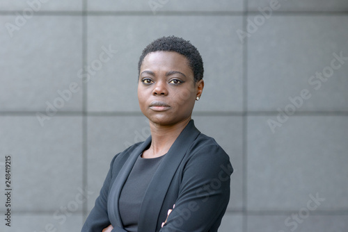 Portrait of black business lady with short hair Fototapeta