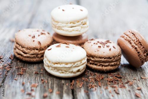 Obraz na plátně macaron bonbon au chocolat amande