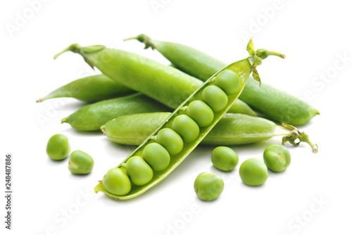 Vászonkép Fresh green peas isolated on white background