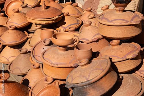 Fotografía  Objetos de barro típicos en Marruecos.