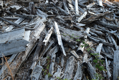 Fotografía  rubble, wood debris