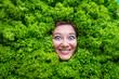 canvas print picture - Frau mit Salat , Konzept für Lebensmittelindustrie. Gesicht von lachende Frau in Salat flache.