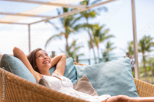 Fotomural Luxury hotel home living woman relax enjoying sofa furniture of outdoor patio