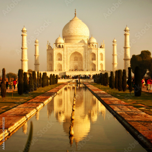 Photo  Taj mahal , A famous historical monument , India