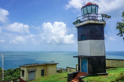 Fotografía  Lighthouse on a tropical peninsula near the village of Gokarna