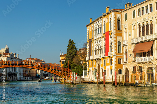 Cadres-photo bureau Venice Bridge Ponte dell Accademia in Venice with the view of Grand Canal and Palace called Palazzo Cavalli-Franchetti