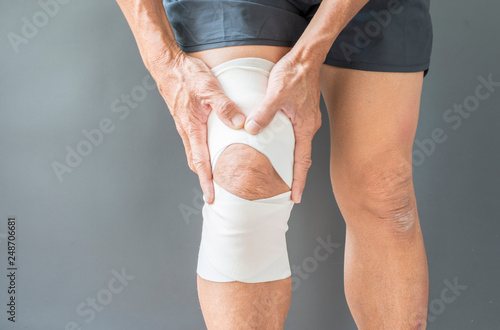 Fotografie, Obraz  Injuryand inflammation of the leg muscles of the elderly men