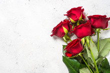 Red Roses Flower Bouquet On Wh...