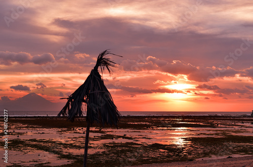 "Fotografia  Bali island sunset, sea view from ""Gili Trawangan Island"", the biggest island of"