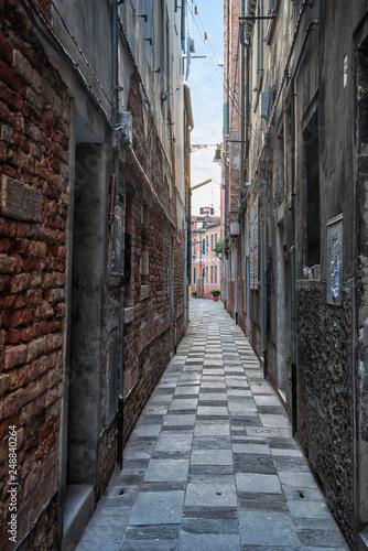 Fototapeten Schmale Gasse Venedig 473018