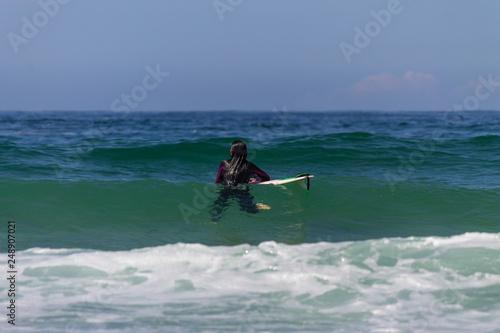 Fotografía  ARTEIXO, SPAIN – JUN 12th 2018:surfing atlantic coast spain