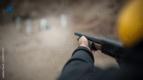 Obraz na plátně Combat shotgun shooting training