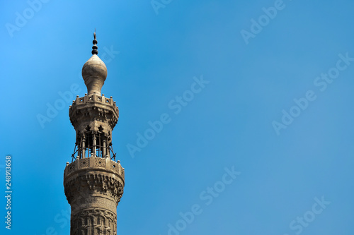 Fotografia  The minaret of the mosque and its beautiful details
