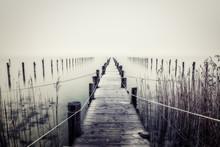 Steg Am Ammersee Im Nebel
