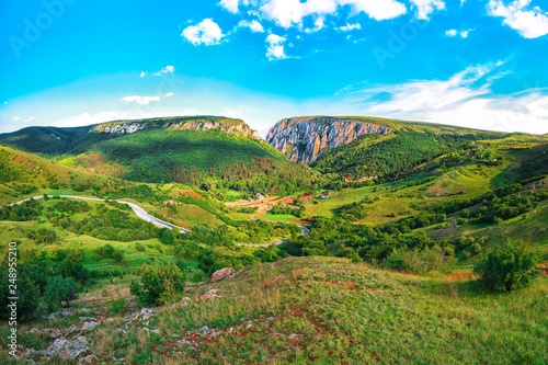 Photo  Turda gorge Cheile Turzii is a natural reserve with marked trails for hikes on H
