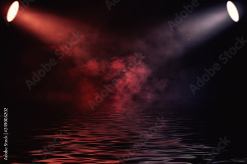 Projector spotlight with reflection in water Canvas-taulu
