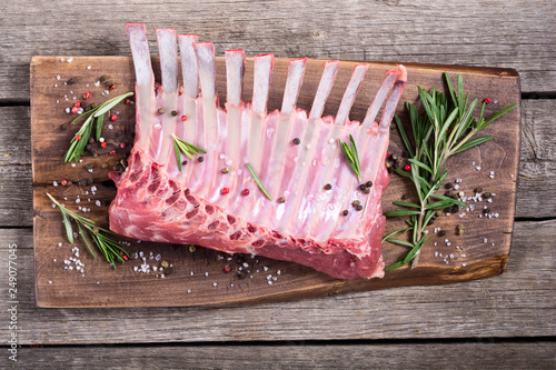 Fotografie, Obraz Raw rack of lamb with spices and herbs