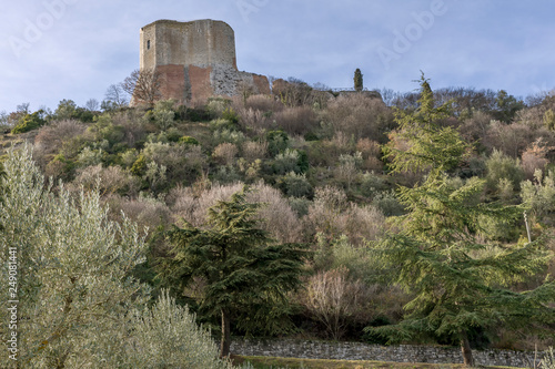 Fotografia  Beautiful view of the Rocca d'Orcia in a dominant position in the province of Si