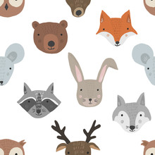 Cute Cartoon Seamless Pattern With Forest Animals Heads On White Background. Funny Hand Drawn Texture With Fox, Wolf, Raccoon, Deer For Kids Design, Wallpaper, Textile, Wrapping Paper