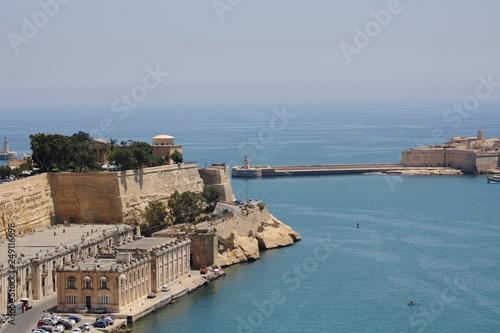 Tuinposter Schip The Capital Of Malta Is Valletta.