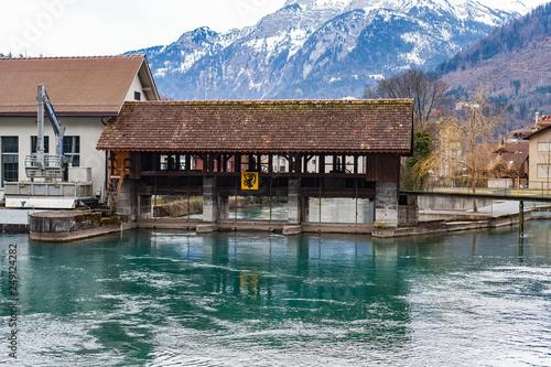 Foto  Aare river in Interlaken, Switzerland