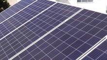 2 Paneles Solares Arriba De Ca...