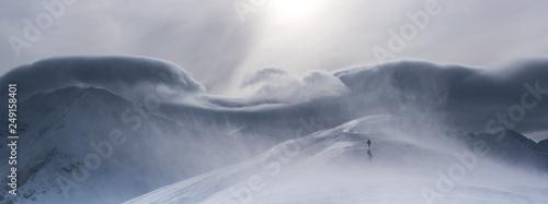 Halny wiatr w Tatrach Zachodnich - fototapety na wymiar