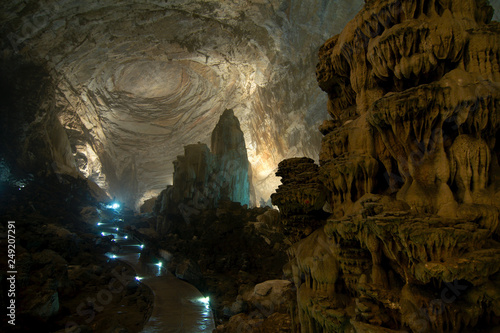 Canvas Print Grutas de Cacahuamilpa (Cacahuamilpa caves), Mexico is one of the largest cave systems in the world, where the formations are still growing